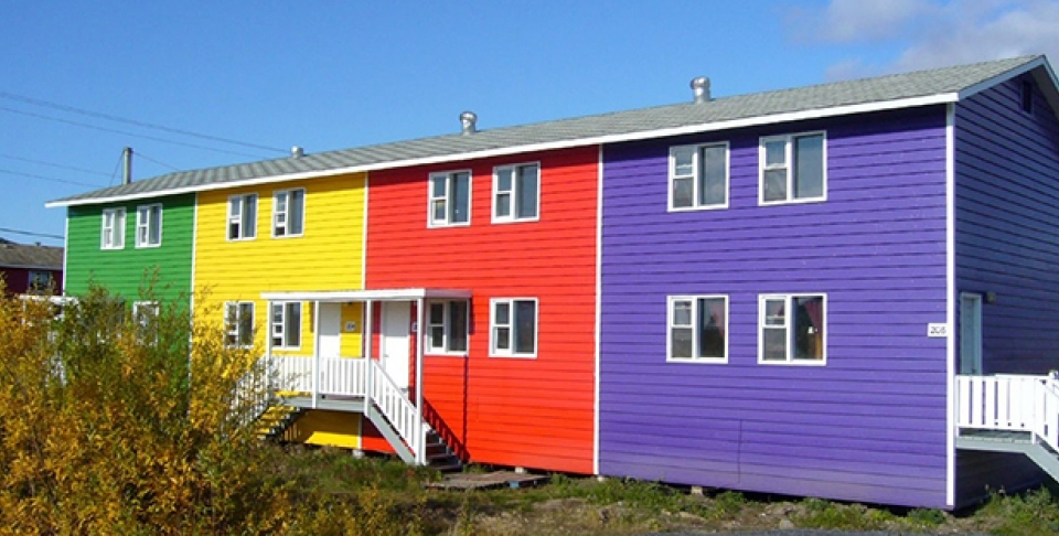 Colourful homes in Inuvik, NWT. (Photo by Tania Liu via Flickr CC)