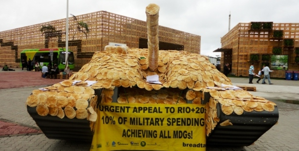 A tank covered in bread as part of demonstrations near Rio+20 in Rio de Janeiro (Photo: Adriane MacDonald).