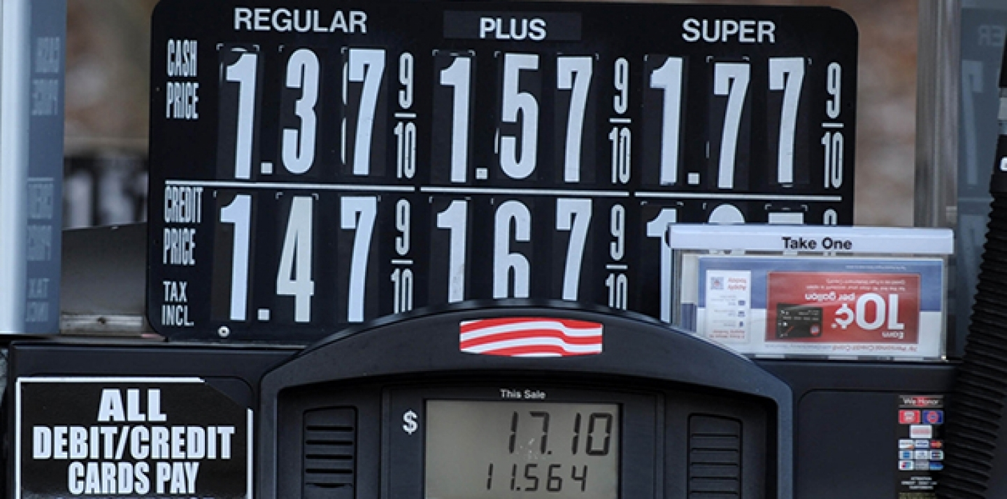 US oil prices crashed below US $27 a barrel on Wednesday, January 20, 2016, for the first time since 2003. A $1.39 price per gallon is seen here in North Plainfied New Jersey. (Dennis Van Tine/STAR MAX/IPx)