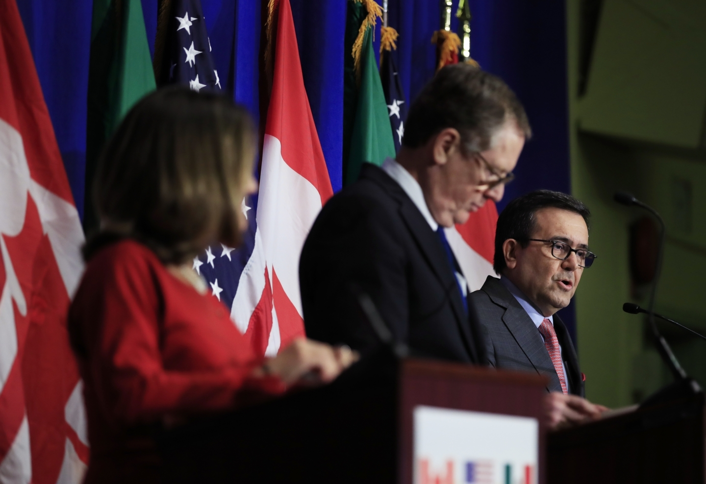 Chrystia Freeland, Robert Lighthizer and Ildefonso Guajardo Villarreal give a trilateral statement during an early round of NAFTA talks. (AP Photo/Manuel Balce Ceneta)