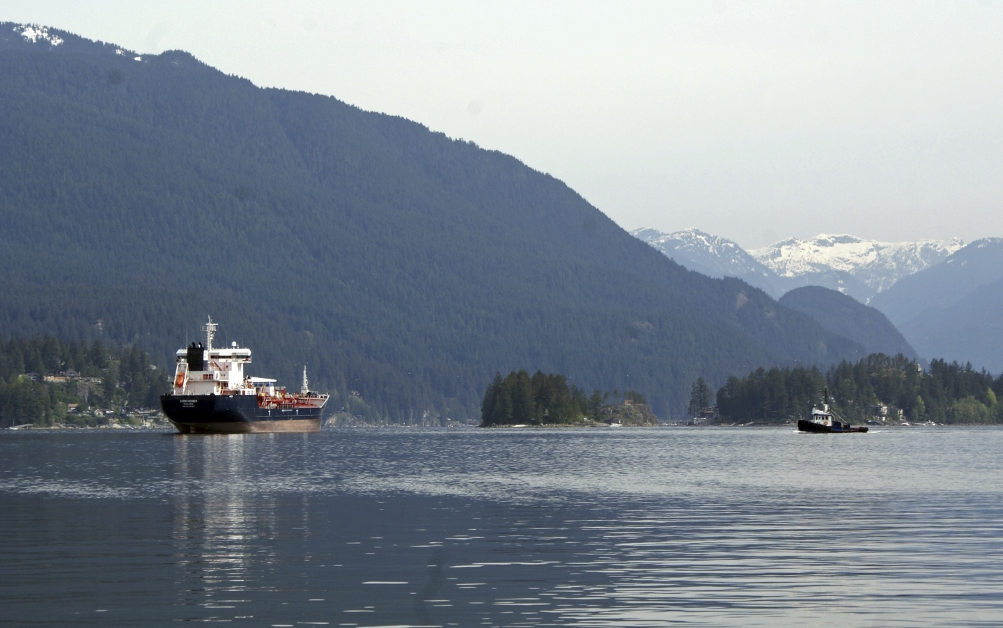An oil tanker outside the Kinder Morgan Inc. Westridge oil terminal in Vancouver, at the end of the Trans Mountain pipeline that begins in northern Alberta. (AP Photo/Jeremy Hainsworth)