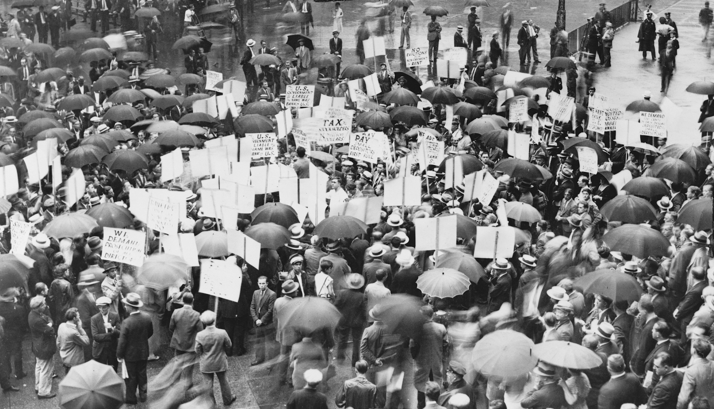 A crowd gathers outside the Bank of United States after its failure in 1931. Library of Congress Photo.