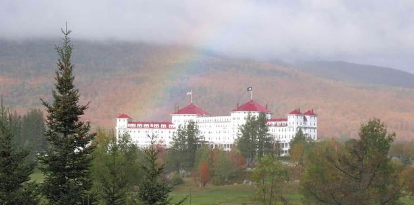 The Mount Washington Hotel in Bretton Woods, N.H, site of the 1944 WWII Monetary Conference. By ShajiA at ml.wikipedia, CC-BY-SA-3.0, via Wikimedia Commons.
