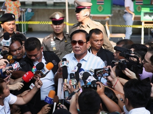 Thailand's Prime Minister Prayuth Chan-ocha speaks to the media after voting in the general election at a polling station in Bangkok, Thailand on March 24, 2019. (REUTERS/Athit Perawongmetha)