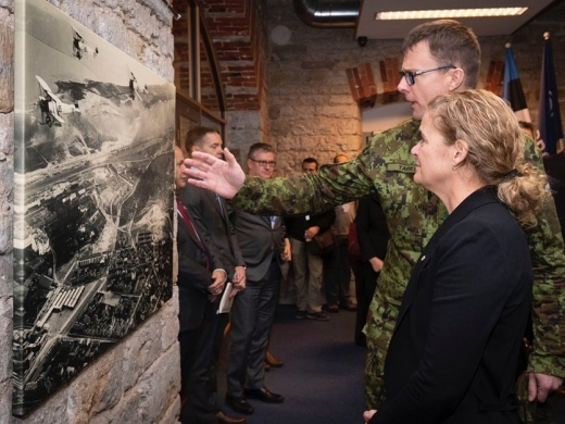 Canadian Governor General Julie Payette tours the NATO Cooperative Cyber Defence Centre of Excellence in Estonia on November 28 with the centre's director, Colonel Jaak Tarien, at right. Photo courtesy twitter.com/GGJuliePayette