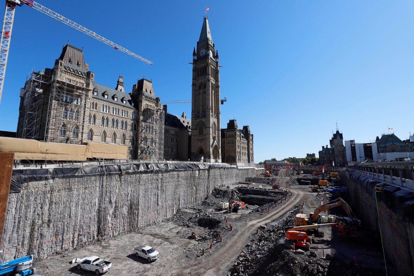 2021-06-16T175240Z_1523533783_RC2L1O9F09SD_RTRMADP_3_CANADA-POLITICS.jpg