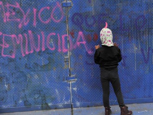 2021-08-16T000000Z_661195332_MT1NURPHO000N20BQU_RTRMADP_3_MEXICO-FEMINIST-PROTEST.jpg
